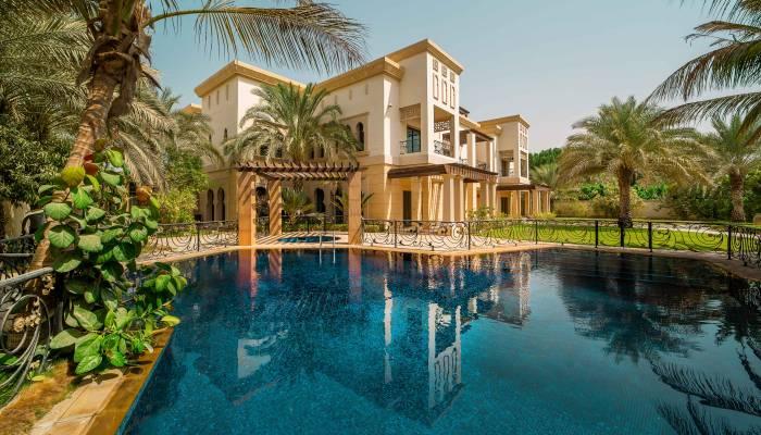 Emirates Hills - Mansion Swimming Pool