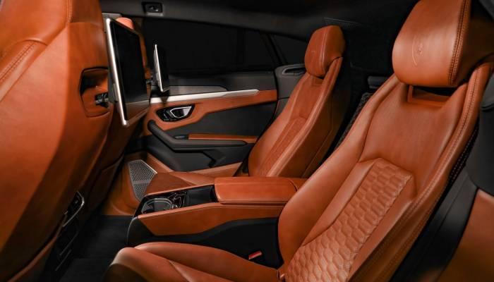 Lamborghini Urus Seats
