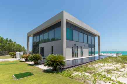 Property Tour: Water Villa on Nurai Island, Abu Dhabi