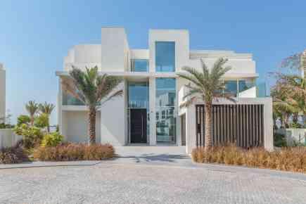 Property Tour: Contemporary Villa on Palm Jumeirah