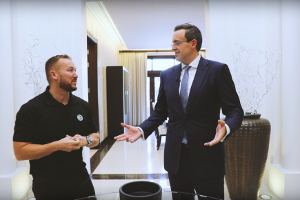 Exploring One of Dubai's Finest Villas with Andrew Cummings
