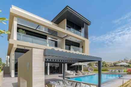 Property Tour: Stunning Six-Bed Villa at Hillside, JGE