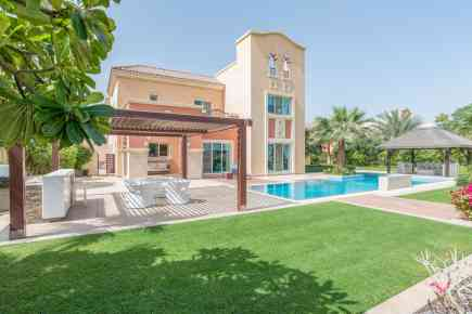 Property Tour: Six-Bed villa at Victory Heights