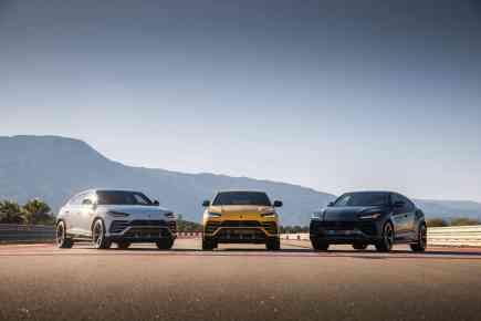 Lamborghini Urus - The World's Fastest Accelerating SUV
