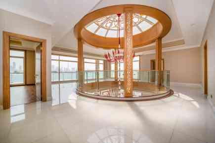 Property Tour: Pearl Jumeirah Villa