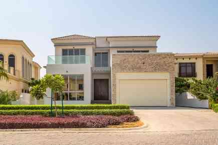 Property Tour: Beautiful Jumeirah Golf Estates Villa