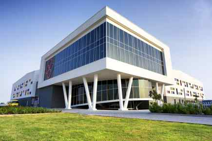 8 Best Schools in Dubai - School Fees With KHDA Ratings