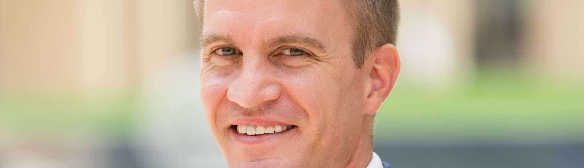 LuxuryProperty.com Welcomes Paul Martin As Associate Director