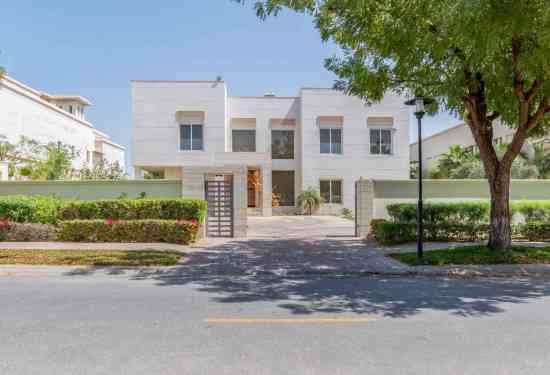 Luxury Property Dubai 5 Bedroom Villa for sale in Sector V Emirates Hills1