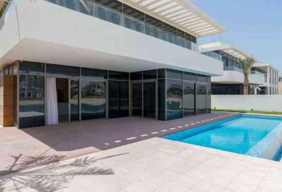 Luxury Property Dubai 5 Bedroom Villa for sale in Garden Homes Palm Jumeirah