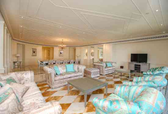 Luxury Property Dubai 4 Bedroom Serviced Residences for sale in Palazzo Versace Culture Village