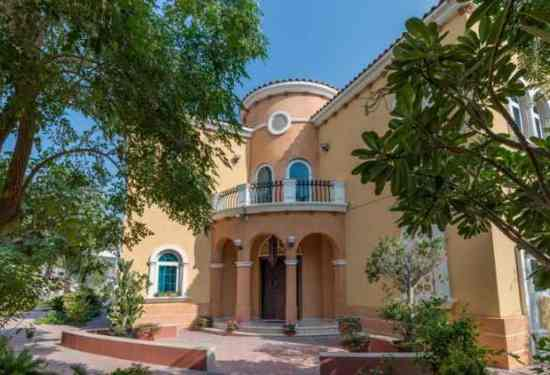 Luxury Property Dubai 5 Bedroom Villa for sale in Legacy Jumeirah Park1