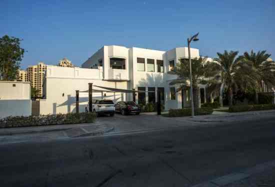 Luxury Property Dubai 5 Bedroom Villa for sale in Signature Villas Palm Jumeirah3