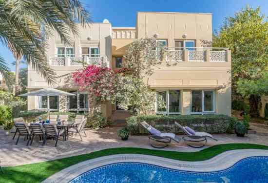 Luxury Property Dubai 5 Bedroom Villa for sale in Meadows 1 Emirates Living2