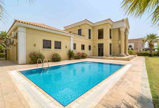 Luxury Property Dubai 5 Bedroom Villa for sale in Signature Villas Palm Jumeirah