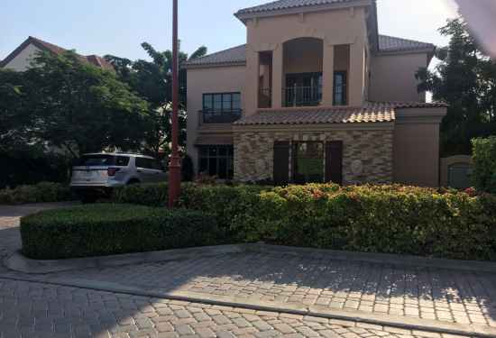 Luxury Property Dubai 4 Bedroom Villa for sale in Flame Tree Ridge Jumeirah Golf Estates1