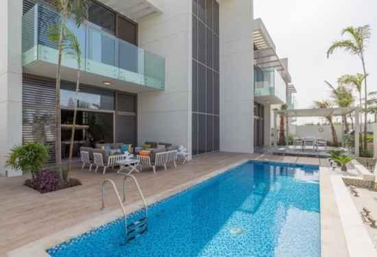 Contemporary Five-bedroom Villa In District One