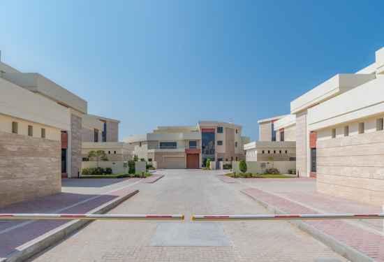 Private Palm Jumeirah Tip Villa Compound3