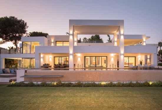 Luxurious Beachfront Villa On The New Golden Mile1