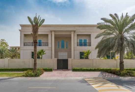 Luxury Villa in Emirates Hills 1