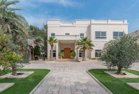 Exquisitely Designed Family Villa In Emirates Hills