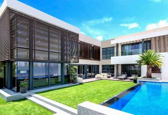 Exceptional Villa with Great Canal View
