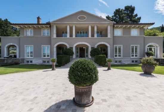 Majestic Villa Boasting Stunning Florentine Countryside Views