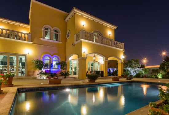Stunning Family Villa at Jumeirah Park2