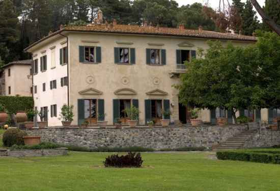 Noble Villa In The Beautiful Italian Countryside