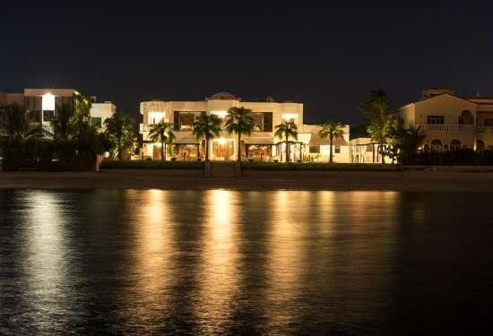 Luxury Property Dubai 5 Bedroom Villa for sale in Signature Villa Palm Jumeirah