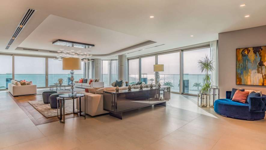 Beachfront Luxury at The W Residences, Palm Jumeirah