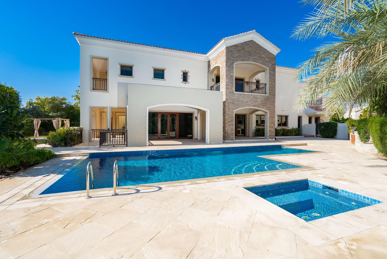 Luxury_Property_Lime_Tree_Valley_Jumeirah_Golf_Estates