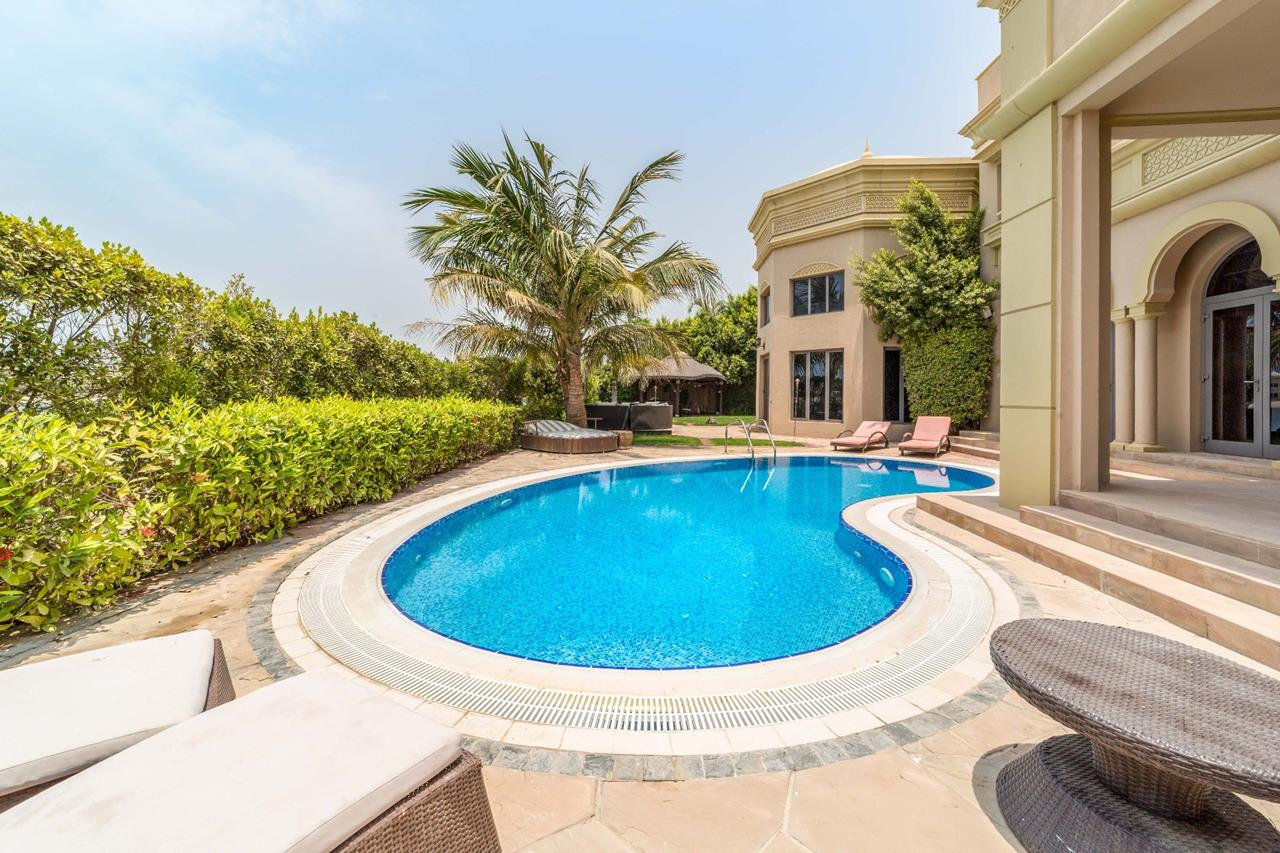 Outdoor_Pool_Signature_Villas_On_Palm_Jumeirah