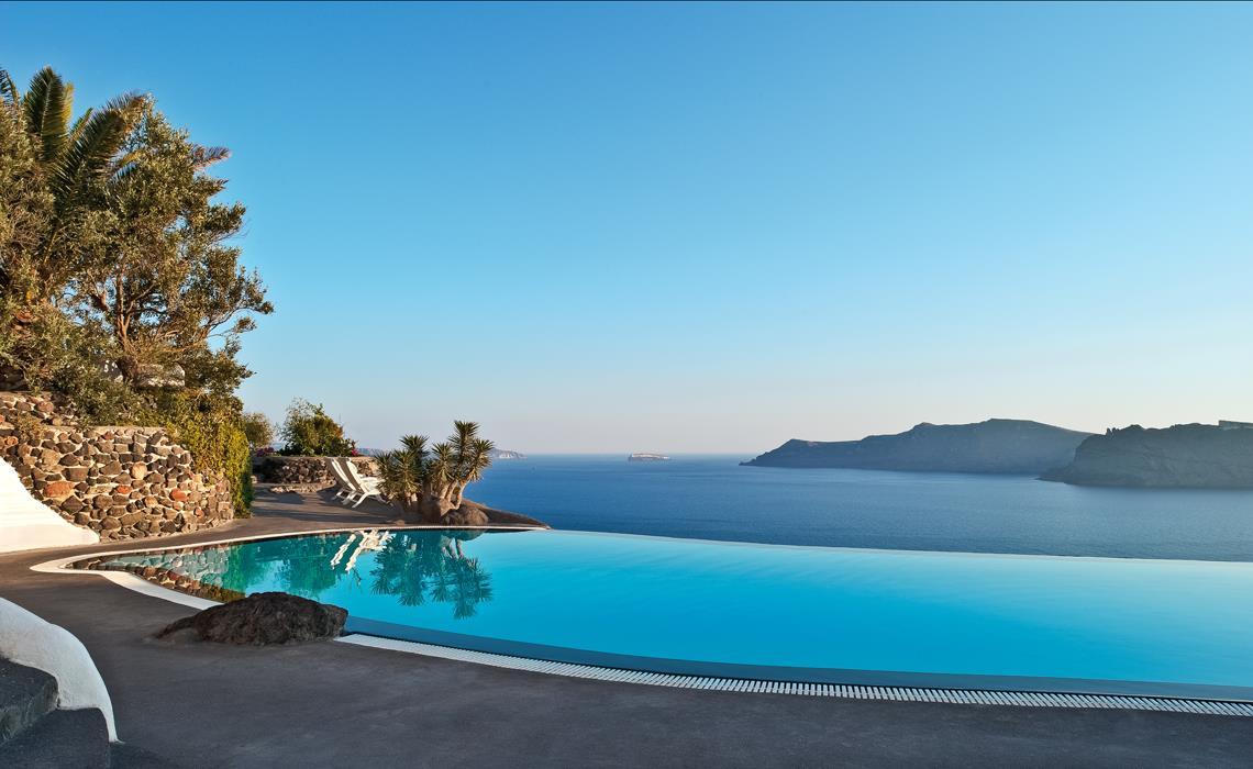 Perivolas_Santorini_Greece