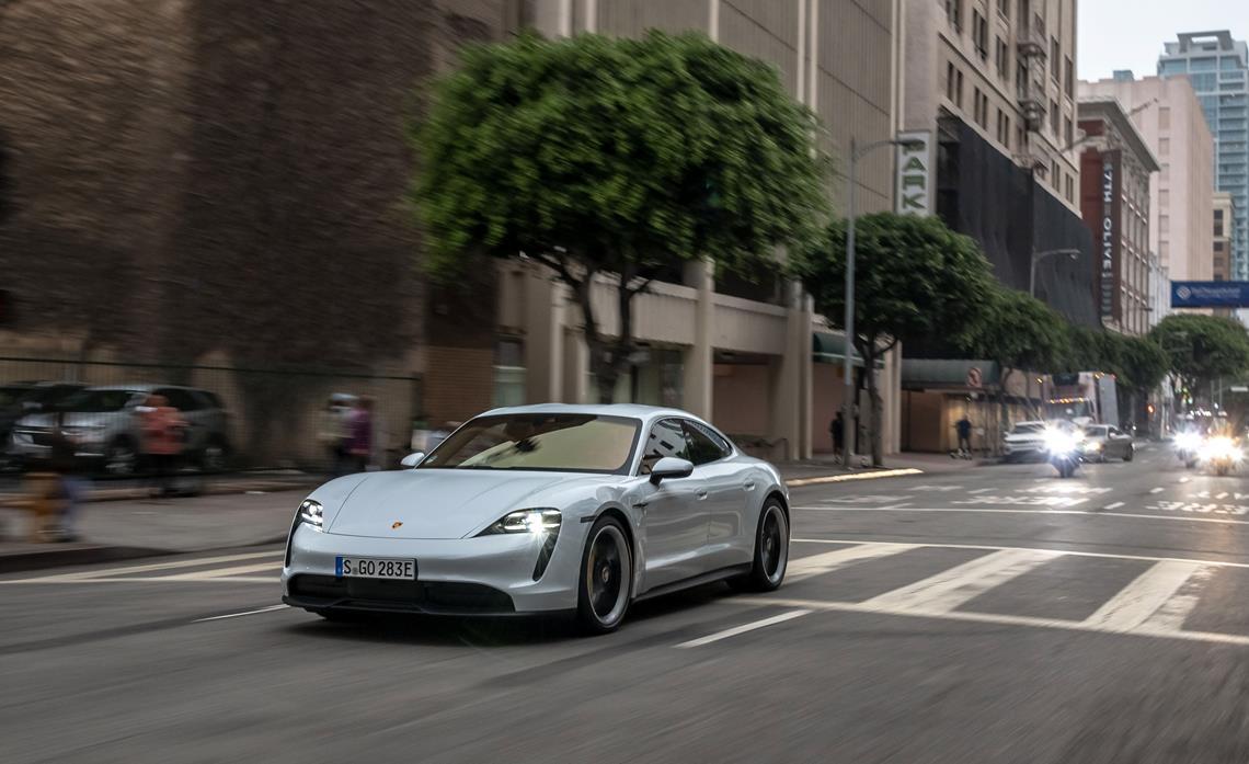 Porsche Taycan Drive