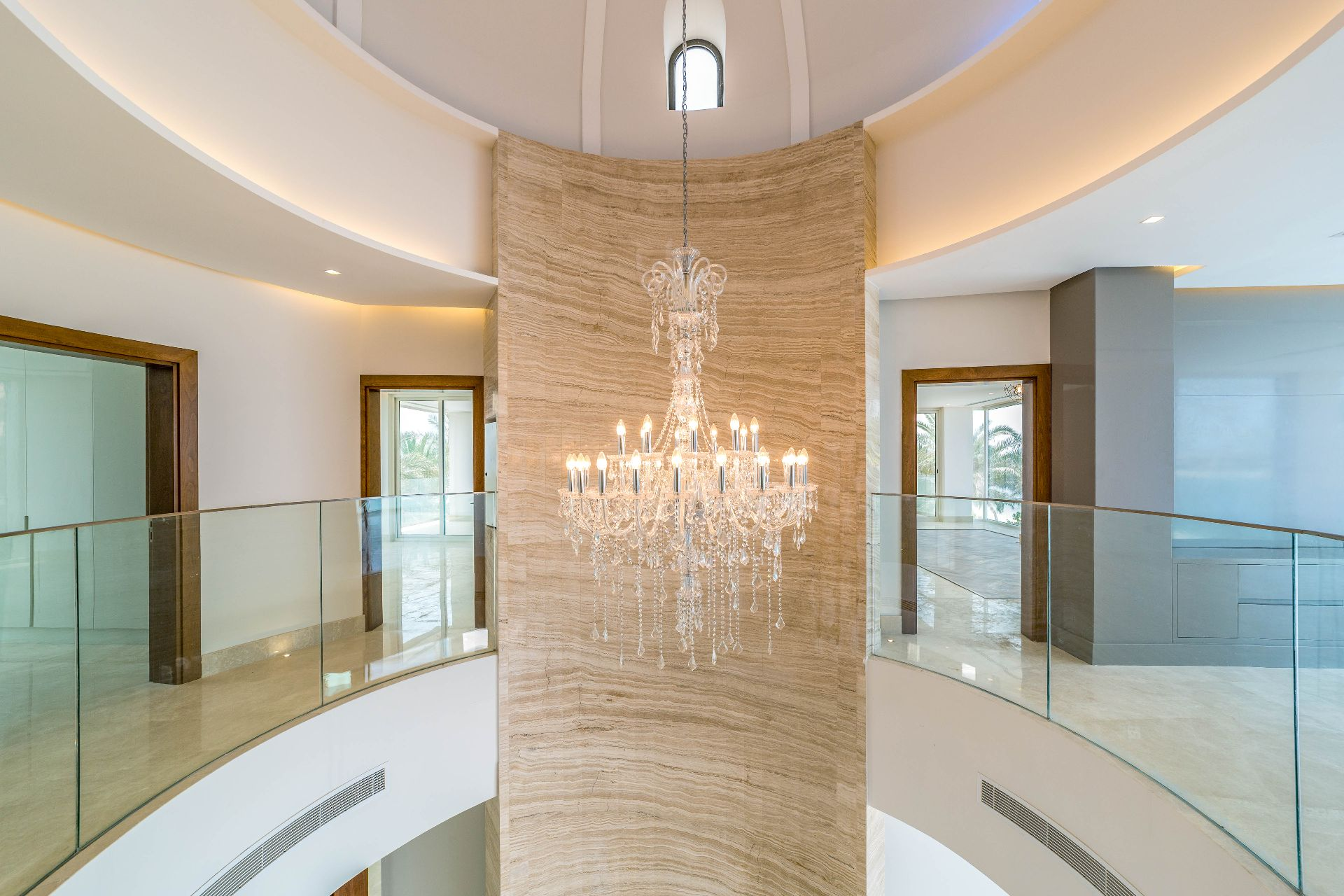 Signature-villa-Grand-Staircase-palm-jumeirah