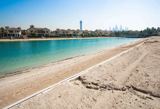 Land Residential in Signature Villas, Palm Jumeirah, 1