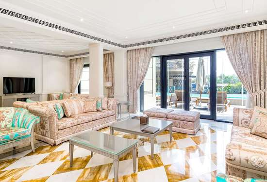 3 Bedroom Townhouse in Palazzo Versace, Culture Village, 1