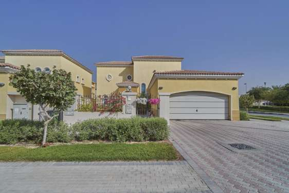 3 Bedroom Villa in Legacy, Jumeirah Park , 1