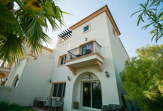 4 Bedroom Townhouse in Redwood Park, Jumeirah Golf Estates, 1