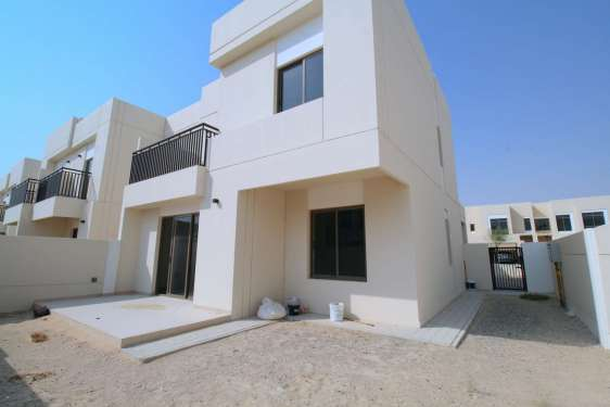 4 Bedroom Townhouse in Safi Townhouses, Town Square, 1