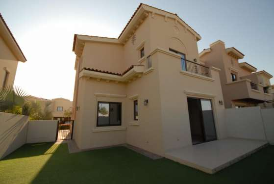 4 Bedroom Villa in Mira, Reem, 17462