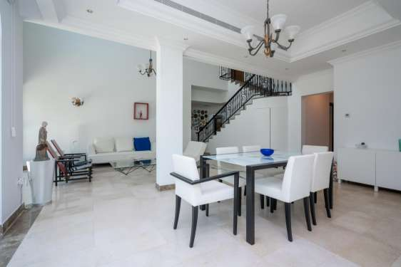 4 Bedroom Villa in Entertainment Foyer, Jumeirah Islands, 1