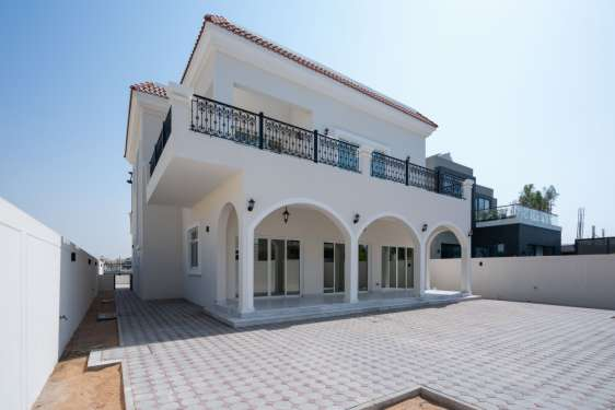 4 Bedroom Villa in Legacy, Jumeirah Park , 1