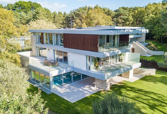 4 Bedroom Villa in Sandbanks, Dorset, 6