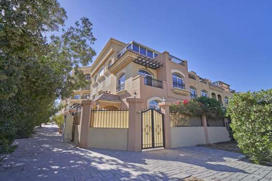 5 Bedroom Townhouse in Diamond Views, Jumeirah Village Circle, 1
