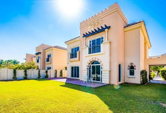 5 Bedroom Villa in Morella, Victory Heights, 1