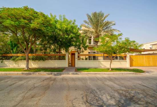 5 Bedroom Villa in Sector E, Emirates Hills, 1