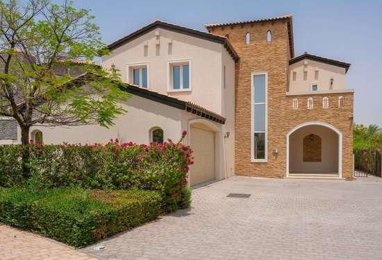 5 Bedroom Villa in Sienna Lakes, Jumeirah Golf Estates, 1