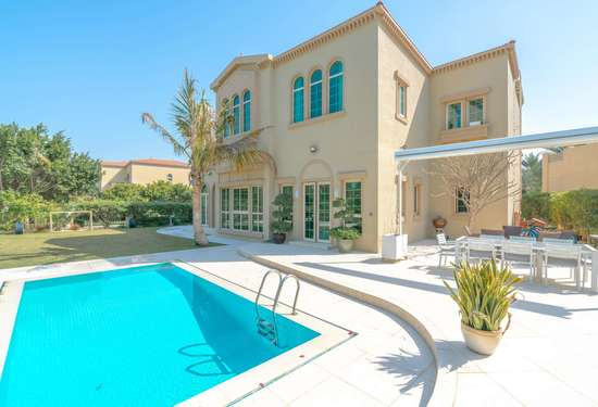 5 Bedroom Villa in Entertainment Foyer, Jumeirah Islands, 1